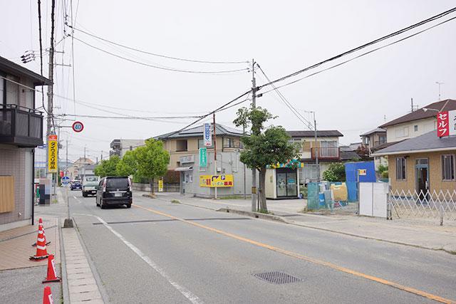 本場讃岐いきいきうどん三田店から東方面の道