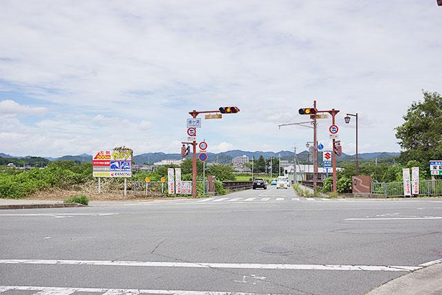 嫁ヶ淵交差点から北側方面の道