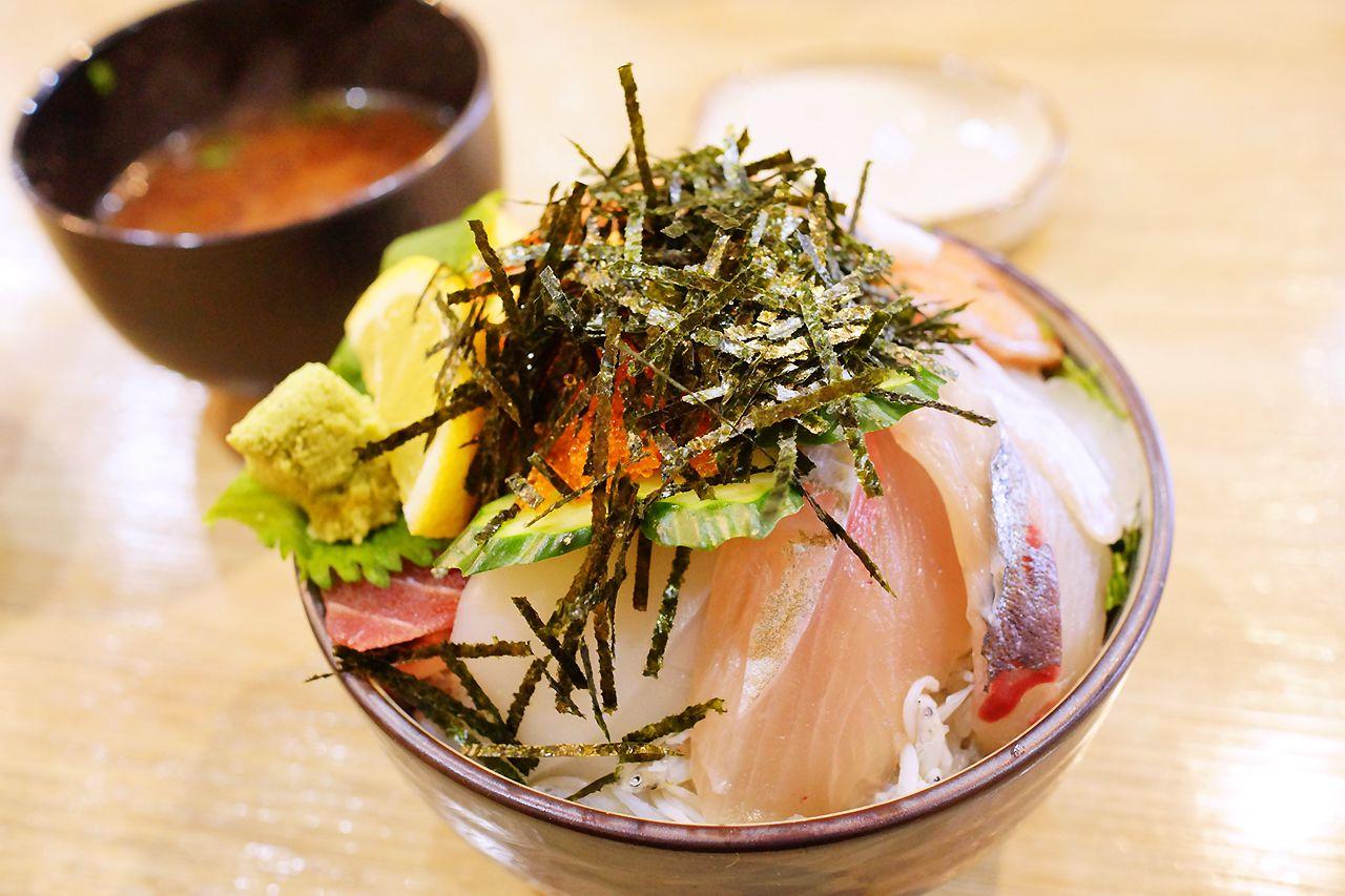 海鮮居酒屋さる一匹の海鮮丼