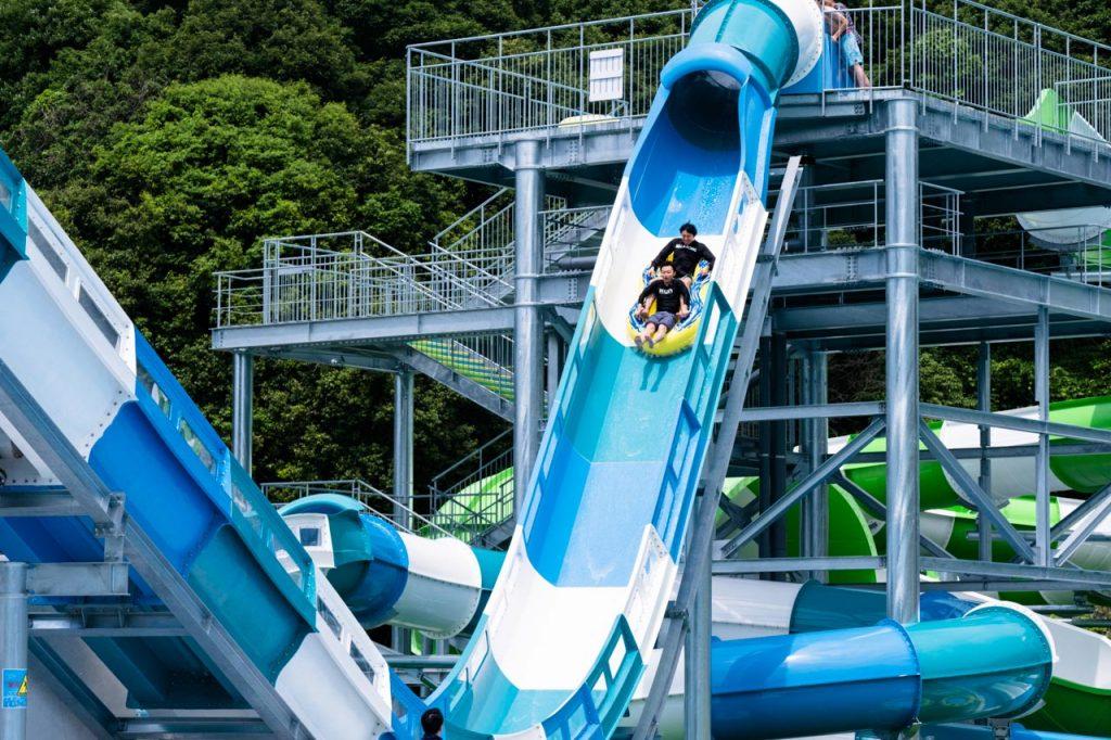 ネスタリゾート神戸のプールにスリル満点すぎるウォータースライダーができたよ